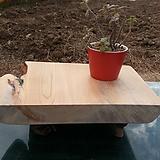소나무관솔혹으로 다리를 한 화분장식대|